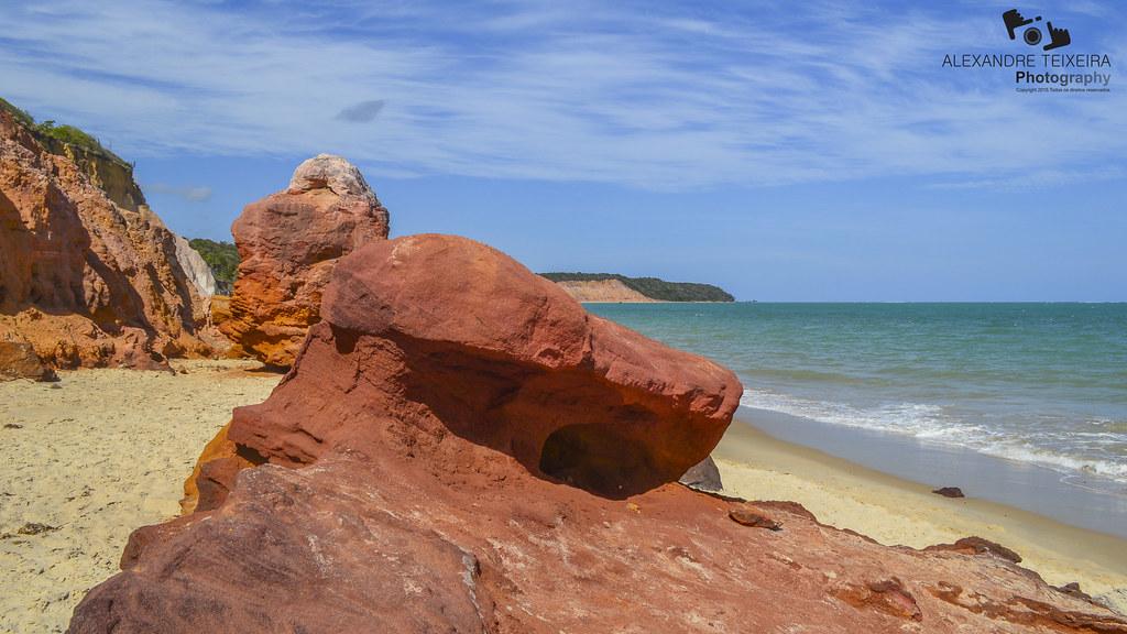Falesias da Praia do Gunga, Alagoas.