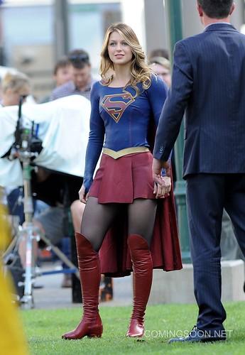 melissa-benoist-supergirl-set-photos-los-angeles-2-22-2016-1