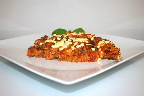 51 - Greek ground meat casserole - Side view / Griechischer Hackauflauf - Seitenansicht