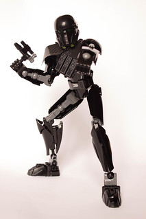 [Revue] Star Wars 75121 : Imperial Death Trooper 30206271646_7d00e95c36_n