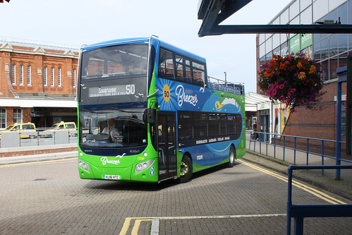 Go South Coast 1706 HJ16HTC