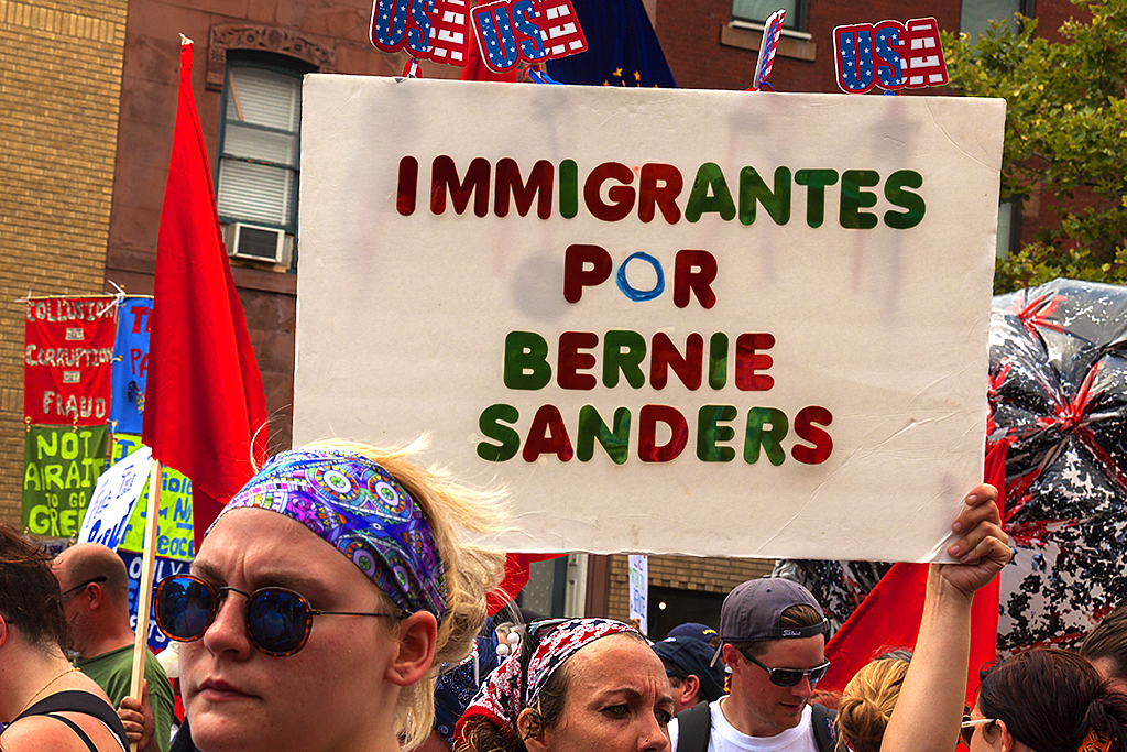IMMIGRANTES POR BERNIE SANDERS--South Broad