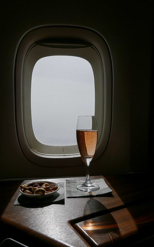 28505954870 bd616e481c c - REVIEW - Cathay Pacific : First Class - Tokyo Haneda to Hong Kong (B747) - [twice in a month!]
