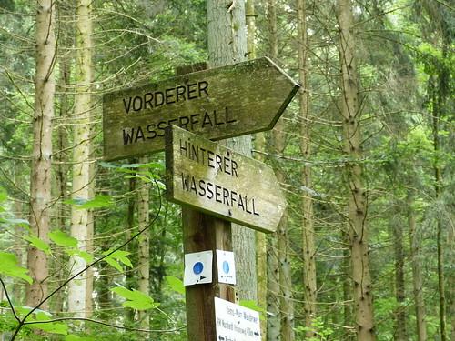The beginning of the adventurous hike near Stuttgart to the Hörschbachfälle.