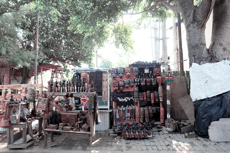 souvenirs for sale gili
