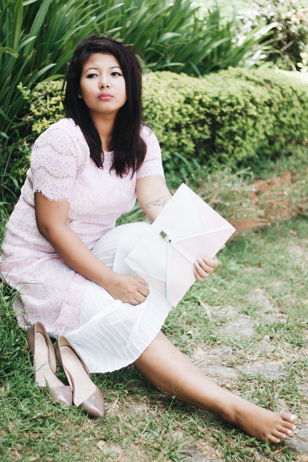 SelestyMe by Chayanika Rabha in collaboration with StyleWe.com wearing Stalkbylove clutch and Jabong heels