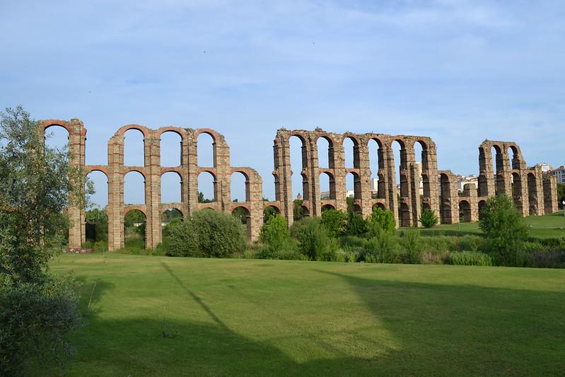 """El gran acueducto de """"Los Milagros""""."""