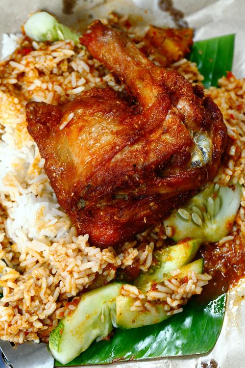 Fried Chicken Thigh Berempah Nasi Kukus