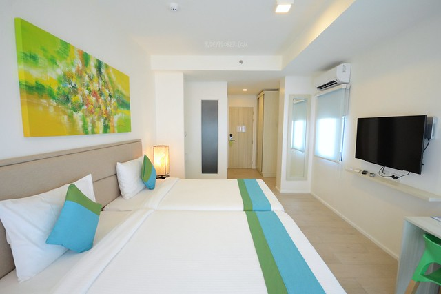 lime hotel boracay deluxe room