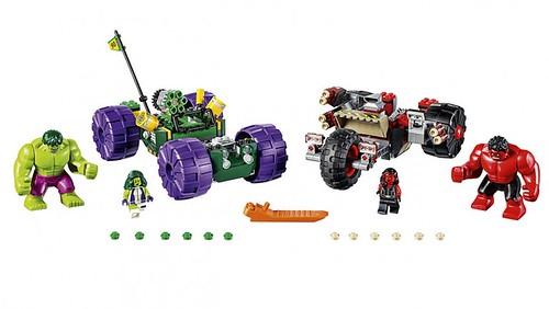 LEGO Marvel Hulk vs Red Hulk
