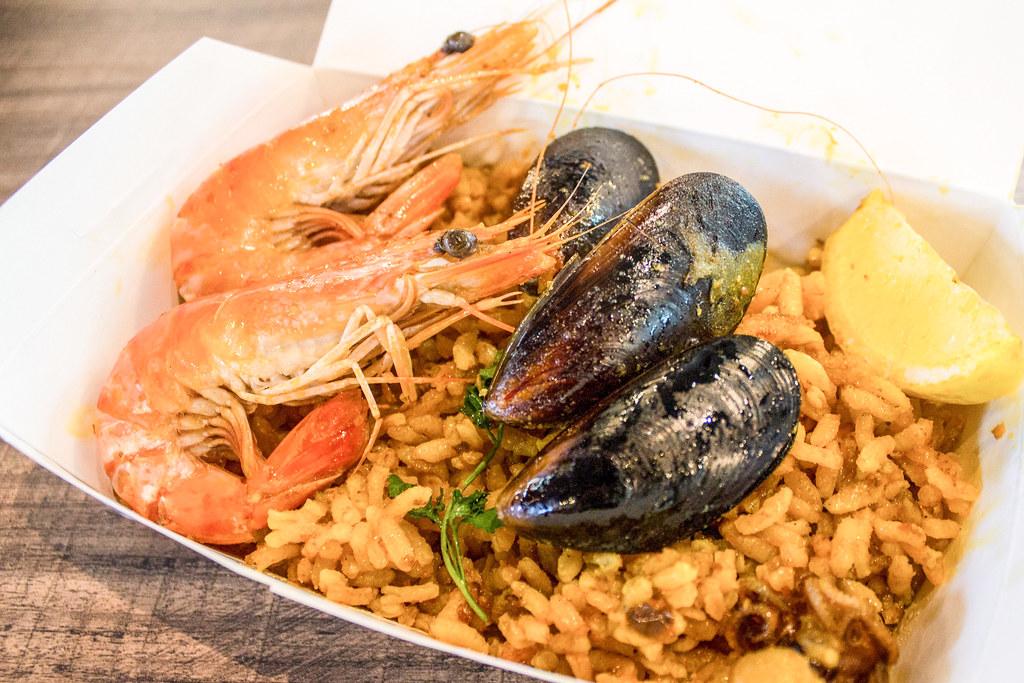 花哨的小贩食品:Cinqo Tapas海鲜海鲜海鲜饭斜面