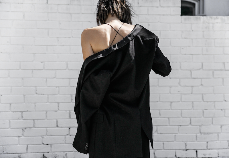 dion lee fine line cami minimal street style inspo all black Balenciaga canvas pochette bag Isabel Marant sneakers fashion blogger modern legacy (13 of 14)