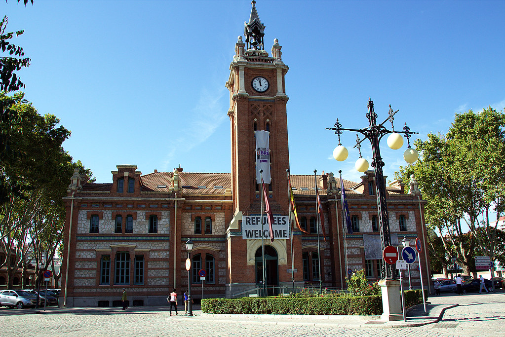 Centro Cultural Casa del Reloj, así como la Junta Municipal del Distrito de Arganzuela.