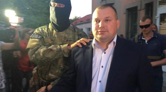 Нині ж керує прокуратурою Рівненщини перший заступник Павло Романчук. Його 1d48448cf7439