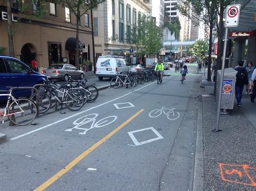 Separated bikelanes