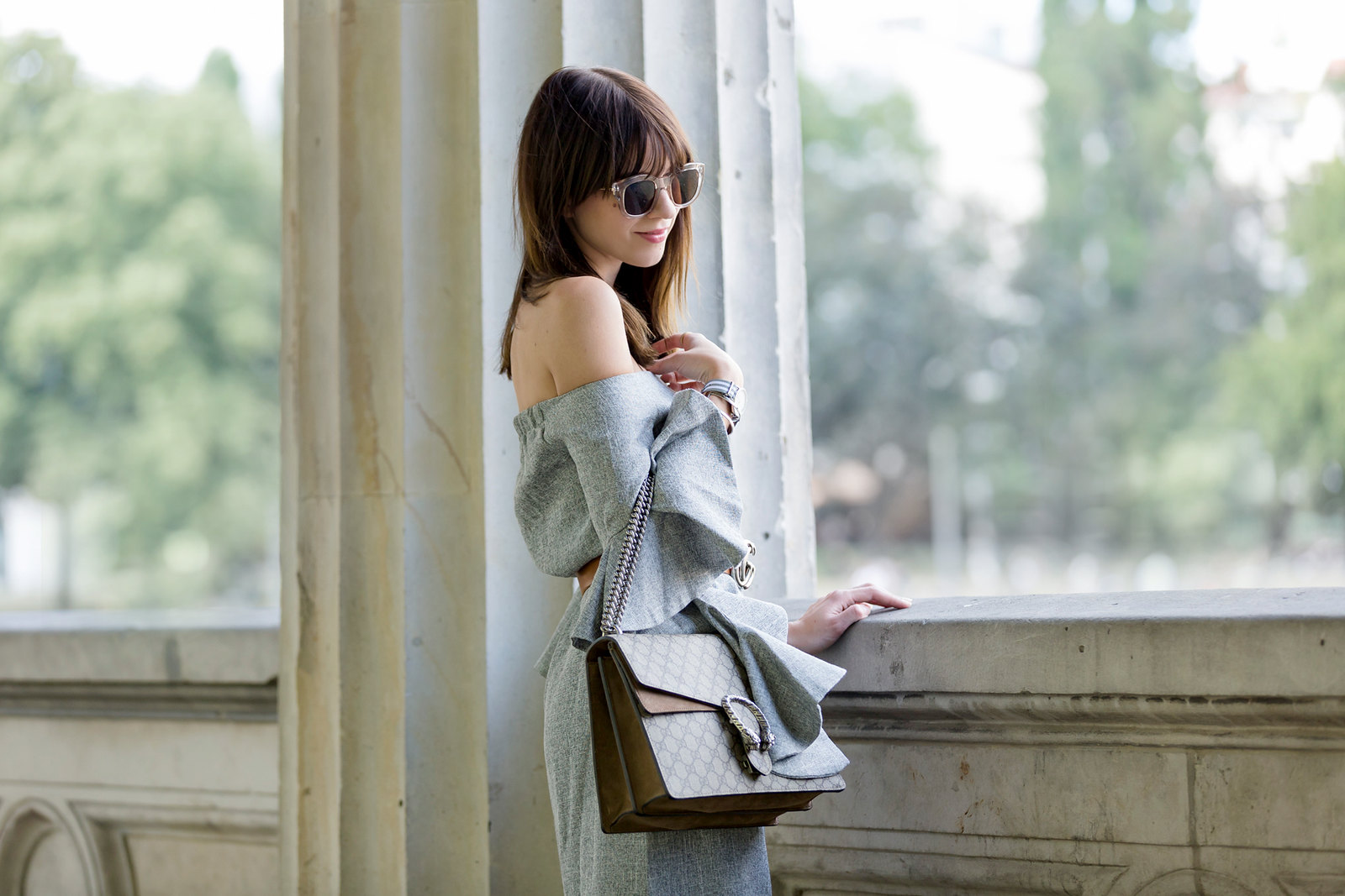ootd chicwish grey off-shoulder dress volants chic gucci belt dionysus bag gg le specs sunglasses berlin museumsinsel museum island tourist fashionblogger berlin blogger cats & dogs fashion blog ricarda schernus modeblogger 2