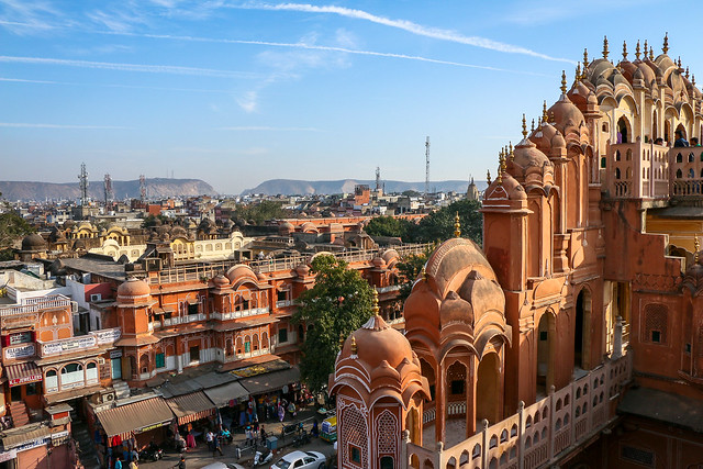 Jaipur city view from upper floor of Hawa Mahal (Palace of Winds), India 風の宮殿上層階から見るジャイプールの町