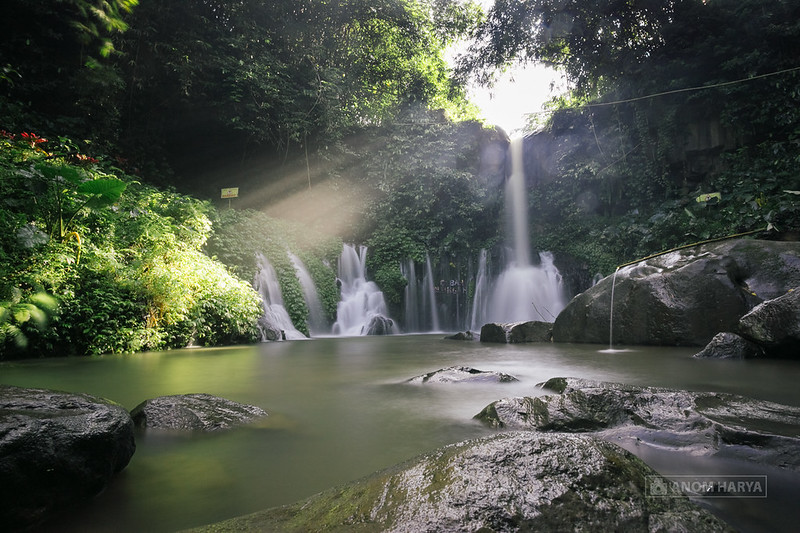 Coban Ciblungan dengan Ray of Light