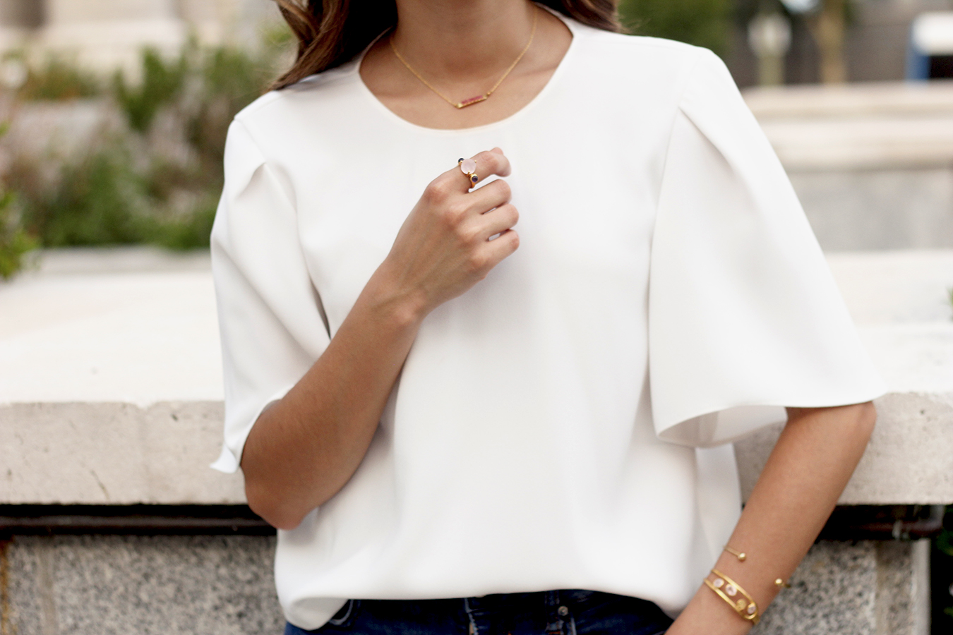 White blouse jeans earrings jewellery corte ingles joyería verano summer outfit style1
