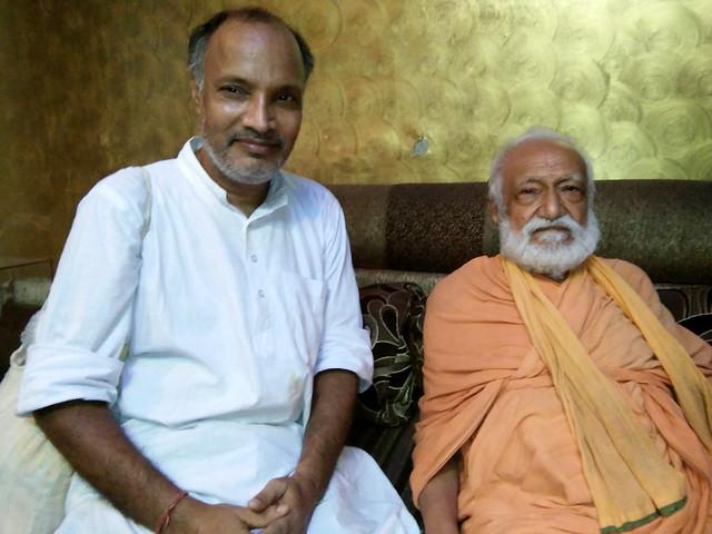 लेखक अरुण तिवारी के साथ स्वामी ज्ञानस्वरूप सानंद