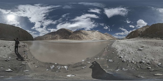 360x180 view of Shyok river near Trimod bridge (to Nubra valley)