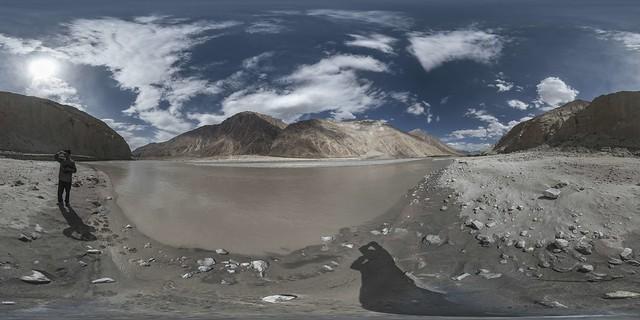 360x180 view of Shyok river near Trimod bridge (to Nubra valley)