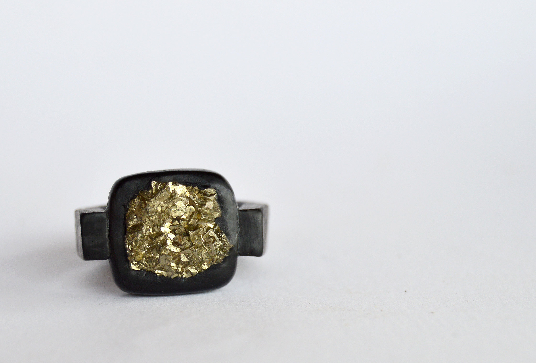Simple design with pyrite