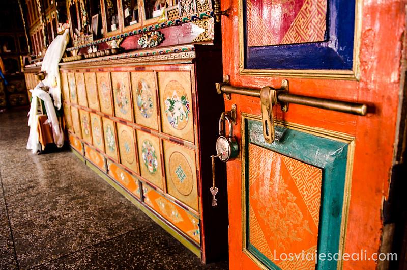 valle del Indo colores monasterio budista