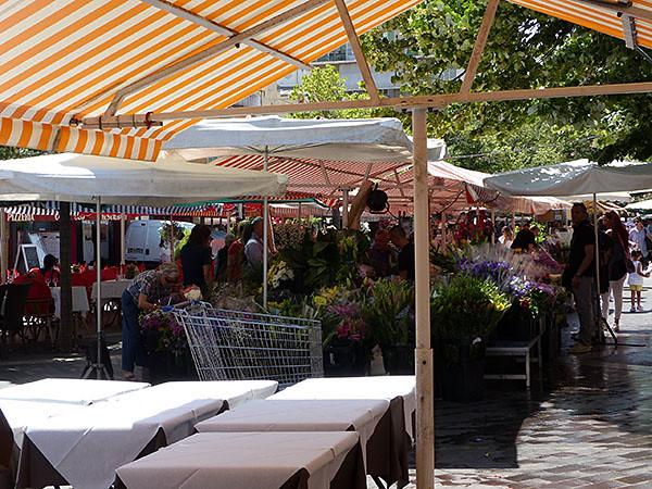 Cours Saleya 2