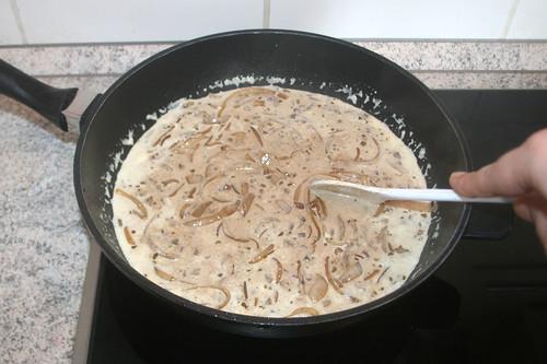 31 - Sauce aufkochen & reduizieren lassen / Bring sauce to a boil & let reduce