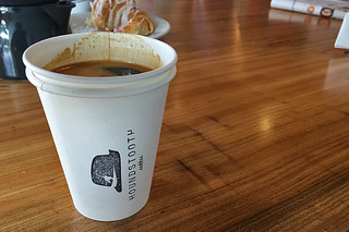 Austin - Houndstooth coffee
