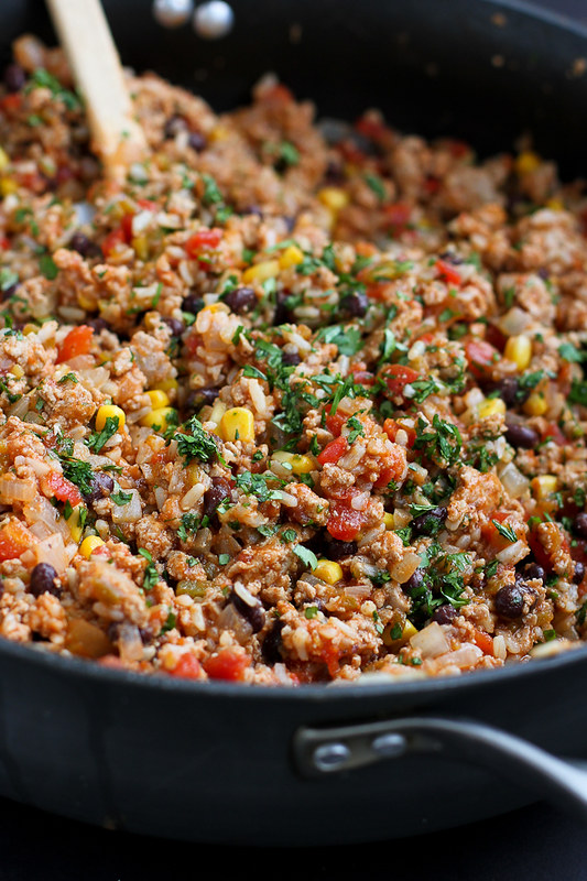 Southwestern Turkey Rice Casserole …Spices, vegetables, turkey and rice come together for an easy, healthy weeknight dinner! 267 calories and 7 Weight Watchers SmartPoints
