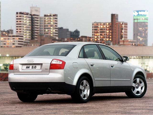 Седан Audi A4 B6, вид сзади. 2000 - 2004 годы