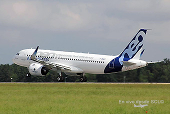 Airbus A320neo take off (A. Romero)