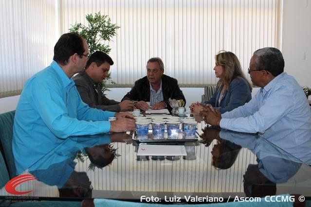 Secretário de Estado de Governo e deputada estadual conhecem nova sede do CCCMG