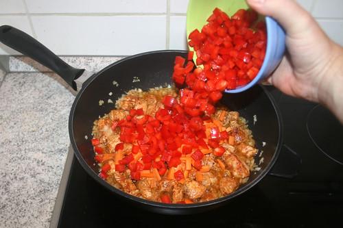 25 - Paprikawürfel hinzufügen / Add bell pepper dices