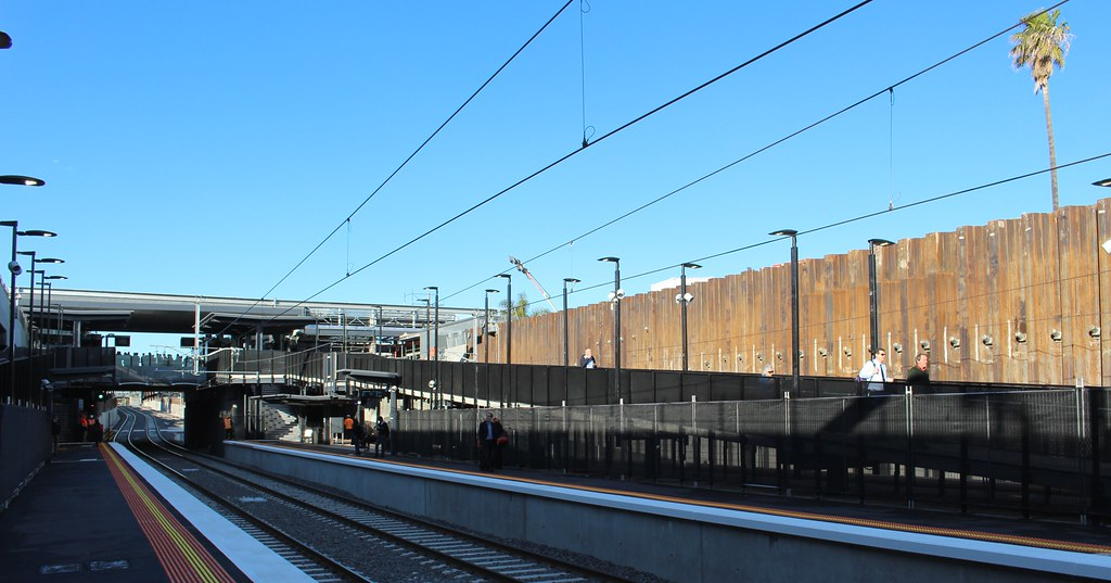 Bentleigh station ramp to platforms 1/2