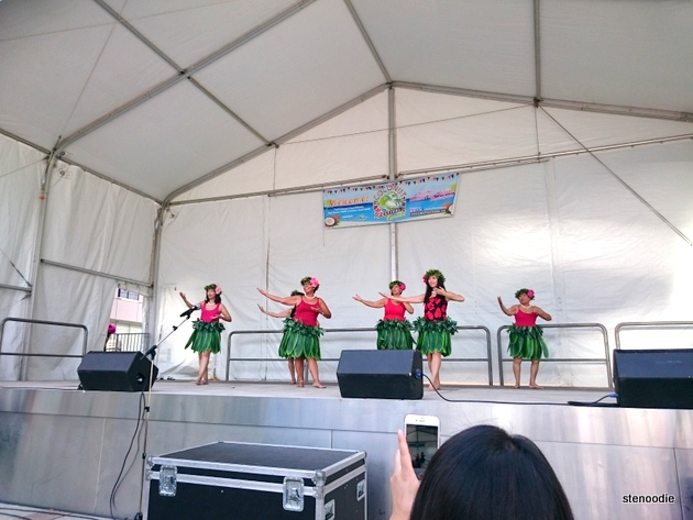 Traditional Hawaiian dances on stage
